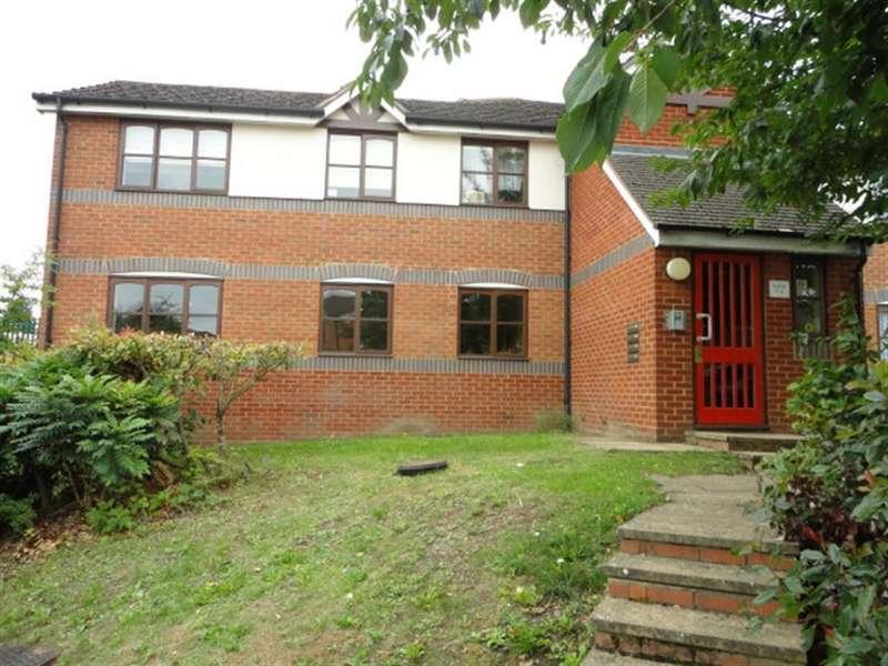 2 Bedrooms Flat for sale in Coalmans Way, Burnham, Slough, SL1 7NU
