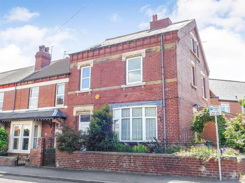 9 Bedrooms Semi Detached House for sale in 6 bedroom house & 2/3 bedroom flat - Cambridge Street, Normanton