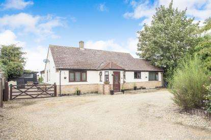 3 Bedrooms Equestrian Facility Character Property for sale in Barroway Drove, Downham Market, Norfolk
