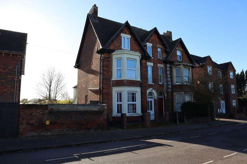 6 Bedrooms Semi Detached House for sale in Milton Road, Bedford, Bedfordshire, MK40