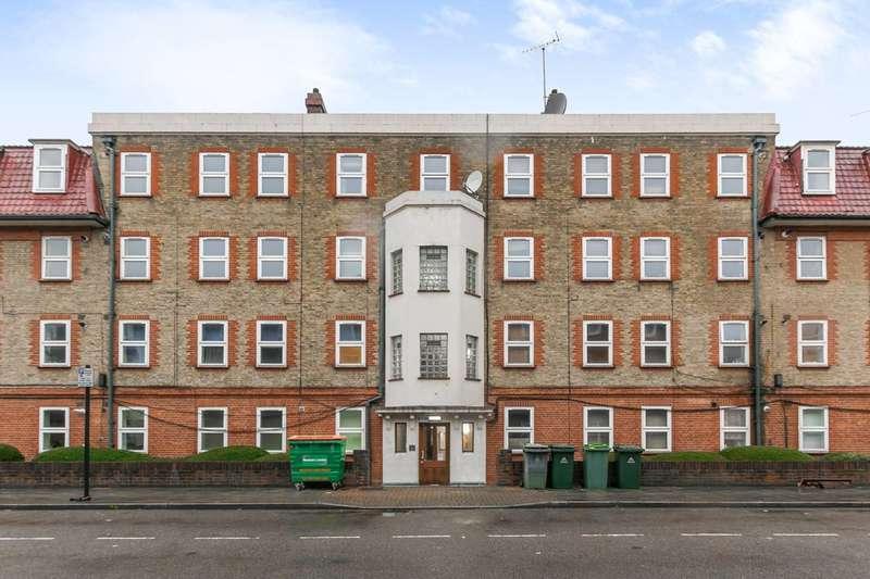 3 Bedrooms Flat for sale in Germander Way, West Ham, E15