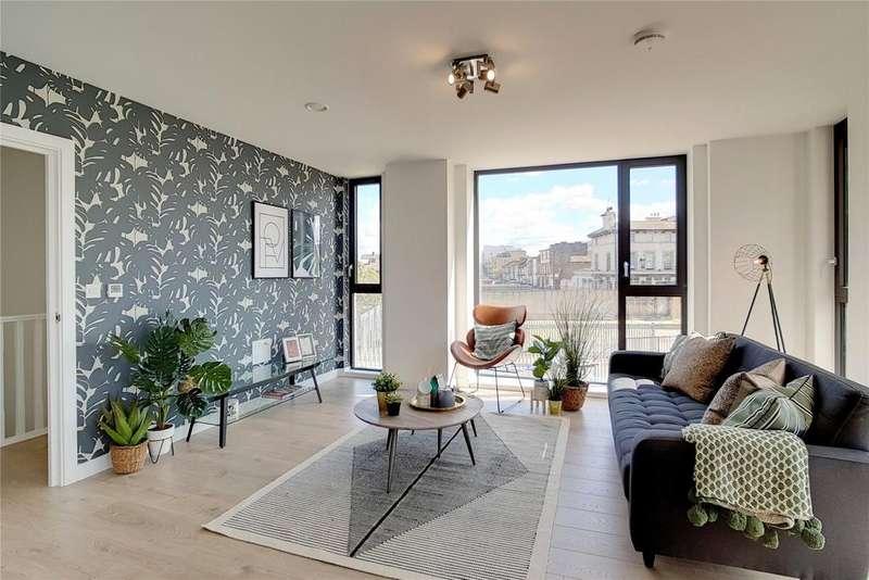 1 Bedroom Flat for sale in New Garden Quarter, Penny Brooke Street, Stratford, London, E15