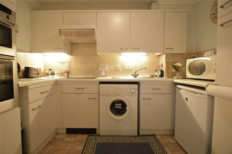 2 Bedrooms Maisonette Flat for sale in Crescent Dale, Shoppenhangers Road, Maidenhead, Berkshire, SL6