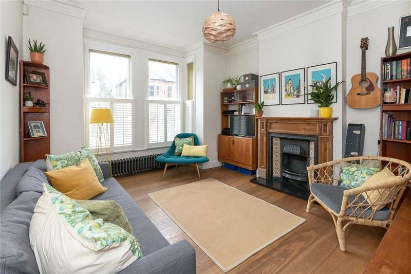 2 Bedrooms Maisonette Flat for sale in Thornlaw Road, London, SE27