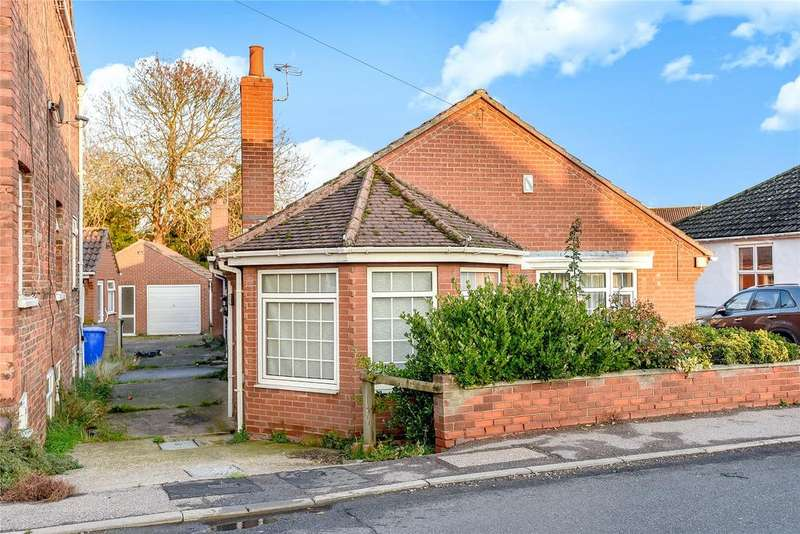2 Bedrooms Detached Bungalow for sale in South Street, Swineshead, PE20
