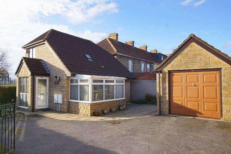 2 Bedrooms Detached Bungalow for sale in Court Road, Bristol, BS15 9QG