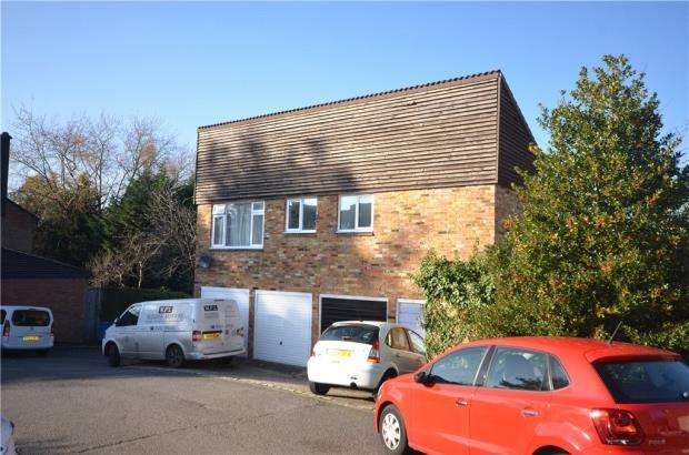 1 Bedroom Garages Garage / Parking