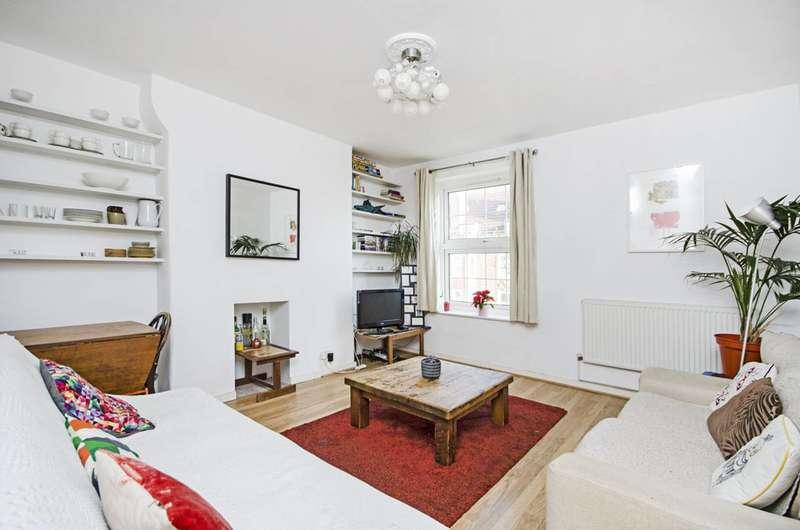 4 Bedrooms Maisonette Flat for sale in Stamford Hill, Hackney, N16