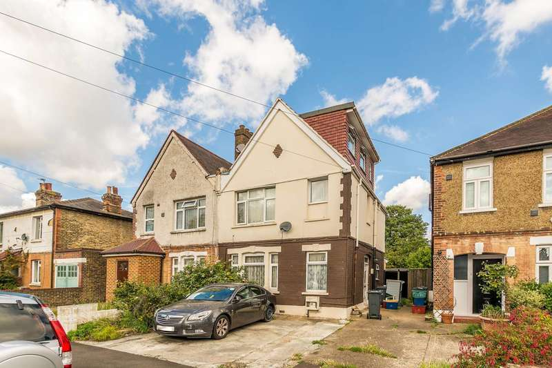 4 Bedrooms Semi Detached House for sale in Maswell Park Road, Hounslow, TW3