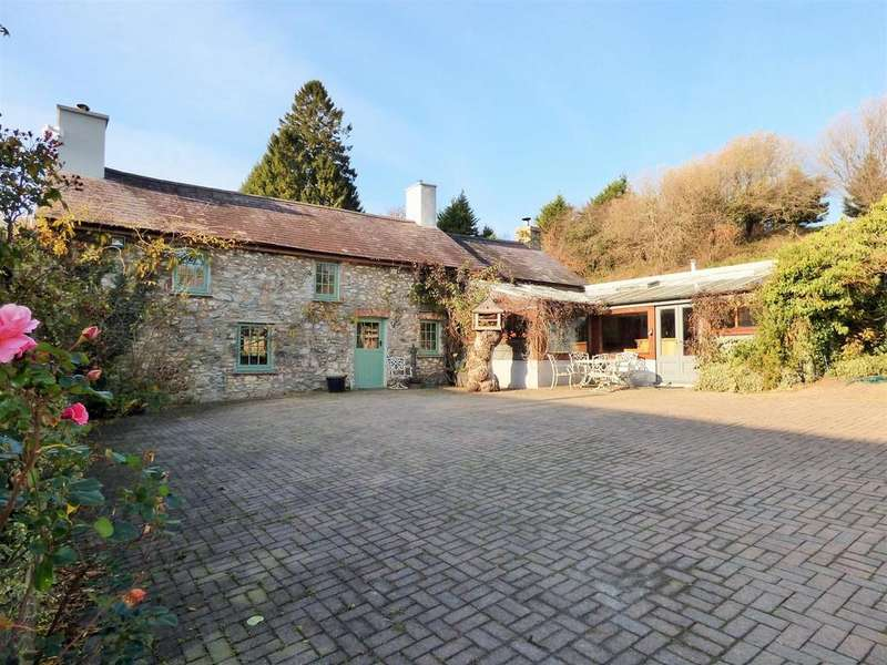 4 Bedrooms Smallholding Commercial for sale in Porthyrhyd, Llanwrda