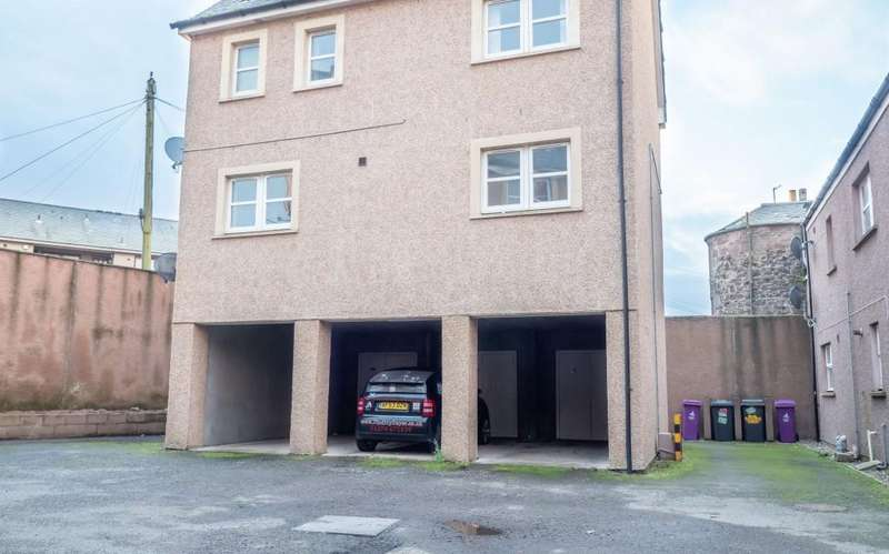 2 Bedrooms Apartment Flat for sale in Bridge Street, Montrose