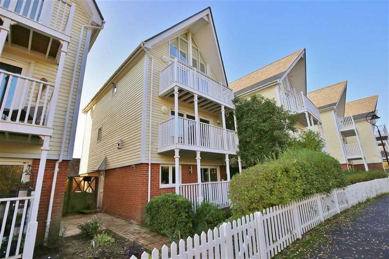 4 Bedrooms Detached House for sale in Leybourne Lakes, Kent