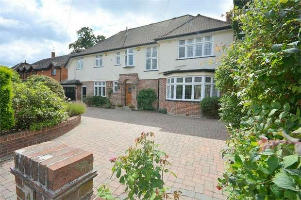 6 Bedrooms Detached House for sale in Cawdor Road, Talbot Woods, Bournemouth