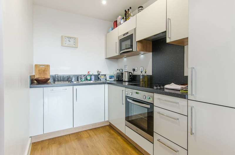 1 Bedroom Flat for sale in Agnes George Walk, Docklands, E16