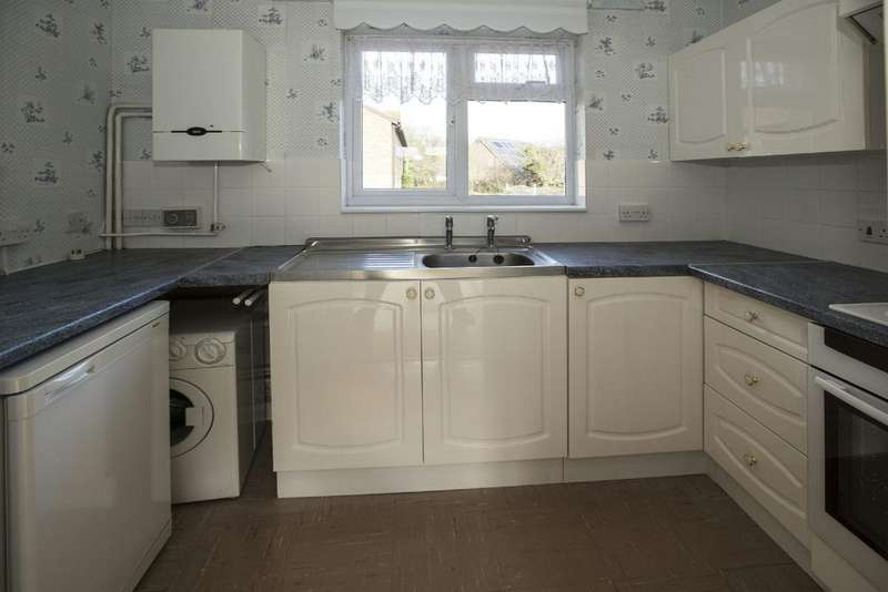 1 Bedroom Flat for sale in Larks Meade, Earley
