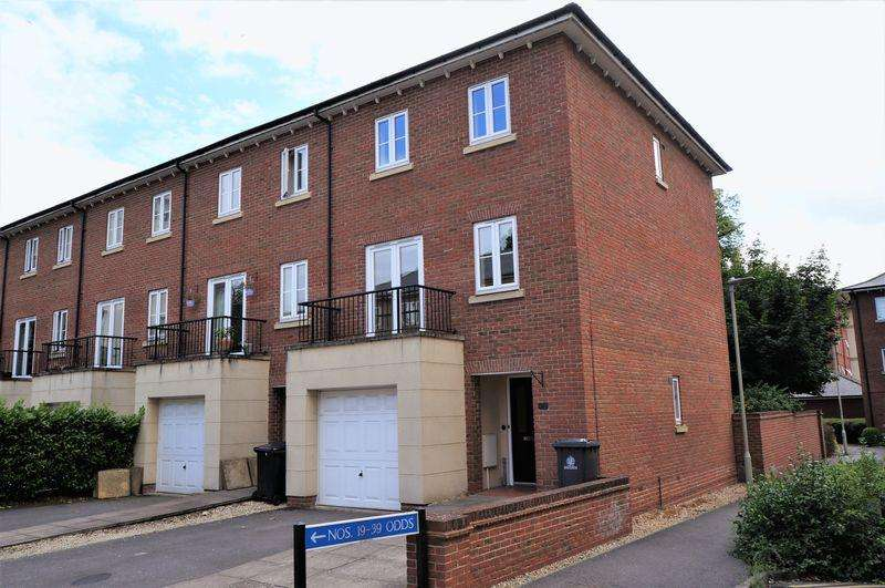 4 Bedrooms Terraced House for sale in Pillowell Drive, Gloucester