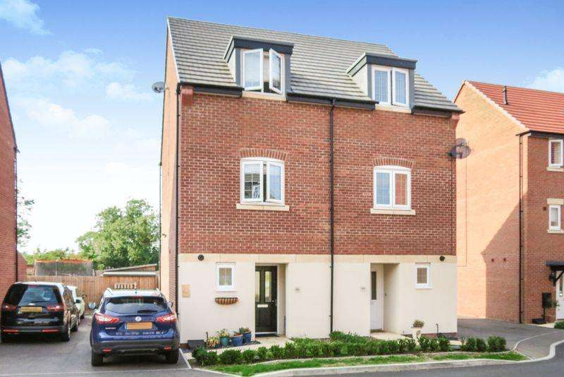 3 Bedrooms Semi Detached House for sale in Central Bourne