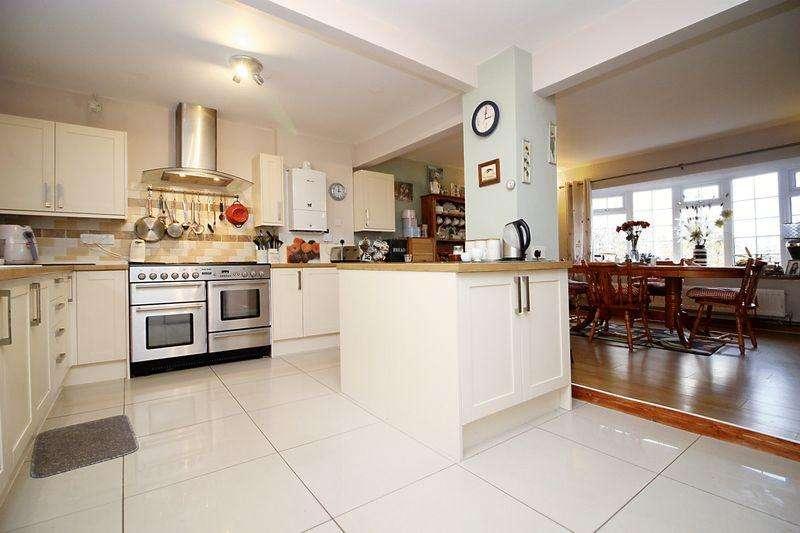 5 Bedrooms Detached House for sale in Park Lane, Treharris, CF46 5LT