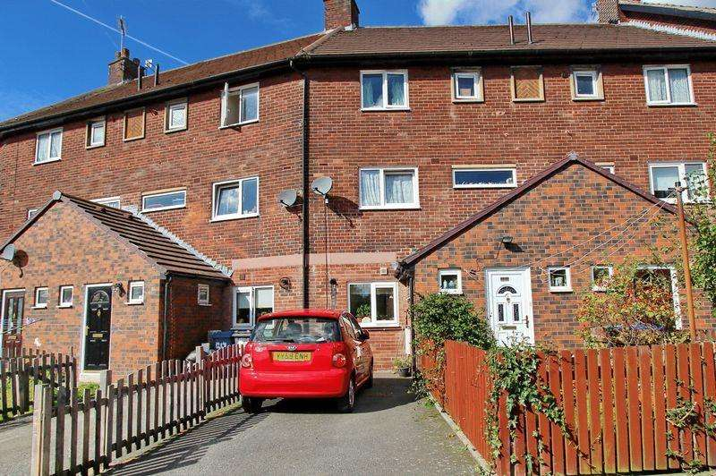 4 Bedrooms Town House for sale in Venwood Road, Prestwich, Manchester