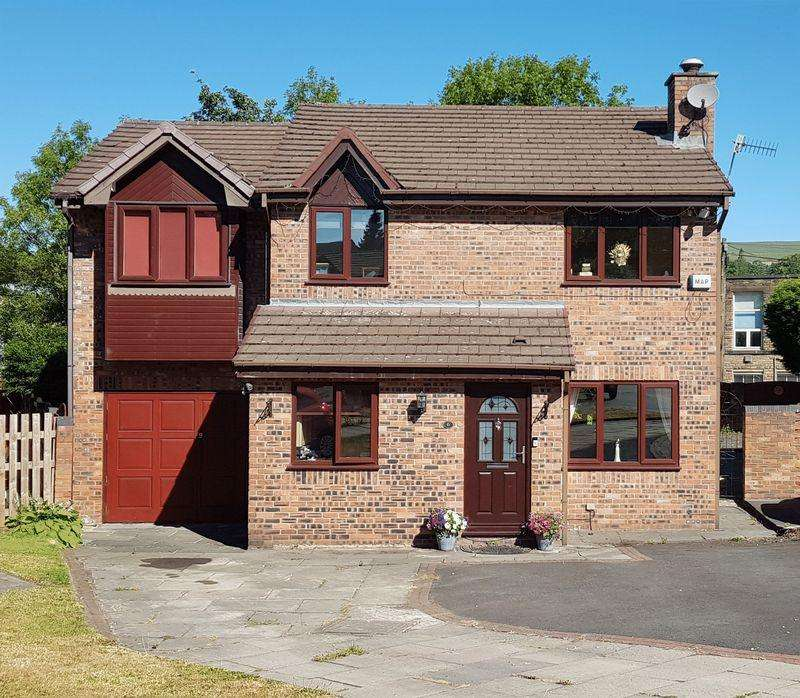 4 Bedrooms Detached House for sale in Watkin Avenue, Glossop