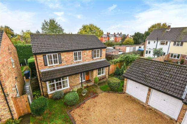4 Bedrooms Detached House for sale in Aldwick Drive, Maidenhead, Berkshire
