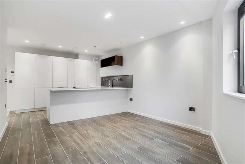 1 Bedroom Ground Flat for sale in Boundary Lane, London, SE17 2BH