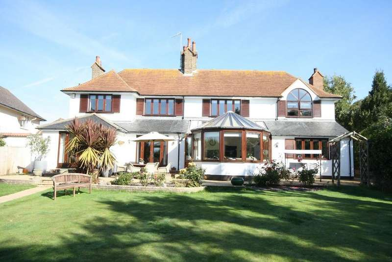 5 Bedrooms Detached House for sale in Clavering Walk, Cooden, Bexhill on Sea, TN39
