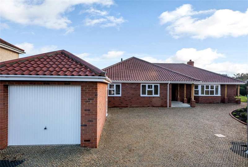 4 Bedrooms Detached Bungalow for sale in Cromwell Road, Sprowston, Norwich, NR7