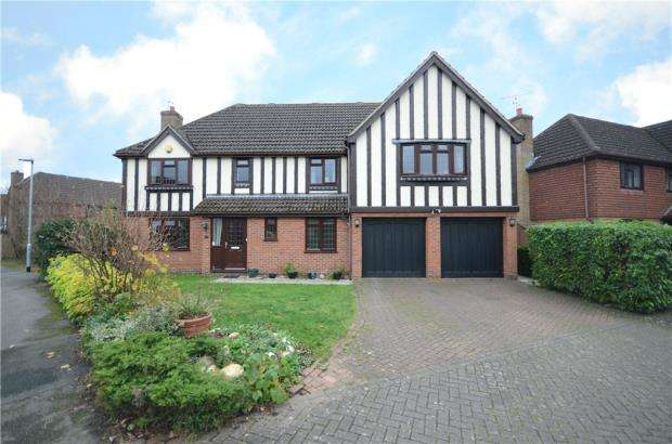 5 Bedrooms Detached House for sale in Burne-Jones Drive, College Town, Sandhurst