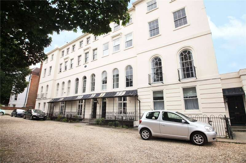 2 Bedrooms Flat for sale in Heritage Court, Castle Hill, Reading, Berkshire, RG1