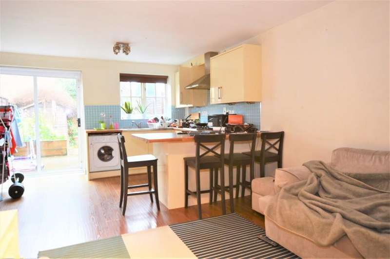 2 Bedrooms Terraced House for sale in Hither Farm Road, Kidbrooke SE3