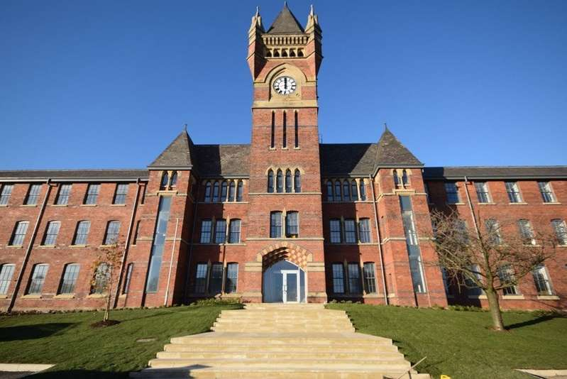 2 Bedrooms Apartment Flat for sale in Birch Hill Clock Tower, Oakhurst Drive , Wardle OL12