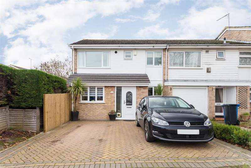 4 Bedrooms Semi Detached House for sale in White Horse Road, Windsor