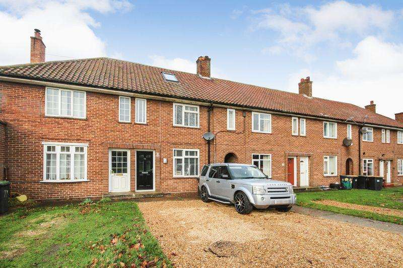 3 Bedrooms Terraced House for sale in Alexander Close, Stewartby