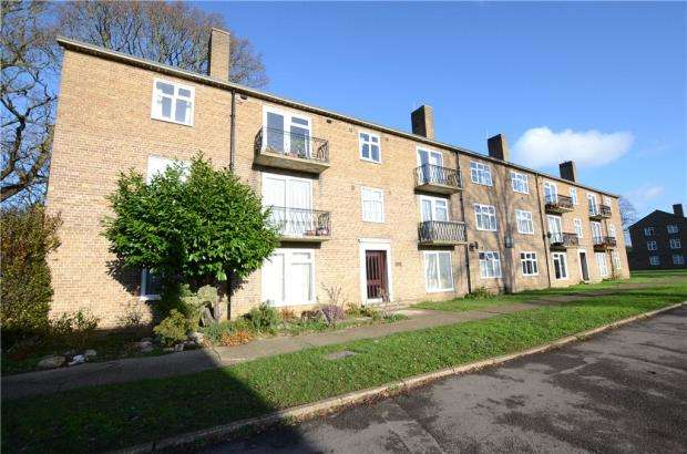 3 Bedrooms Apartment Flat for sale in Gosbrook Road, Caversham, Reading