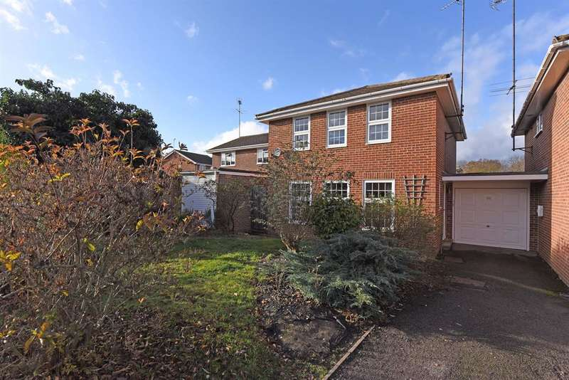 4 Bedrooms Link Detached House for sale in Woosehill Lane, Wokingham, RG41 2TS