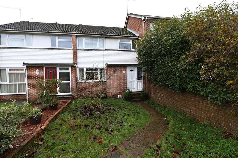 3 Bedrooms Terraced House for sale in Linden Road, Woodley, Reading, Berkshire, RG5 3QT