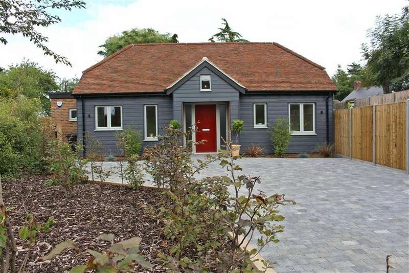 4 Bedrooms Cottage House for sale in Hitchin Road, Weston, Weston Hitchin, Herts