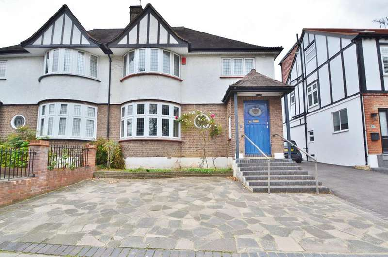 4 Bedrooms Semi Detached House for sale in Old Park Avenue, Enfield EN1