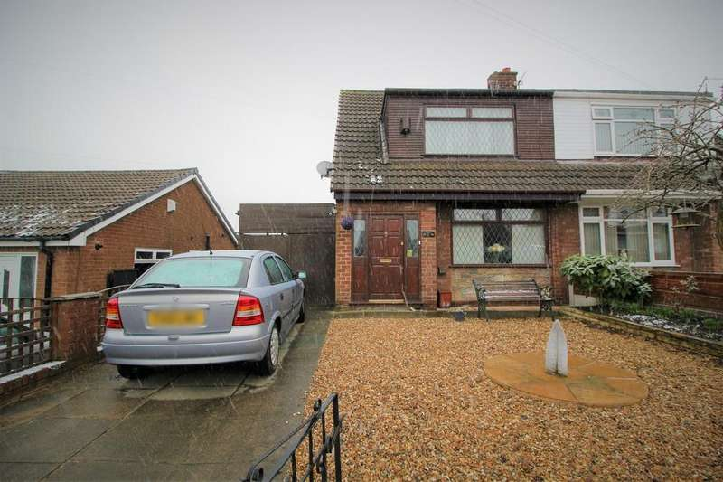 3 Bedrooms Detached Bungalow for sale in Hollins Road, Hindley
