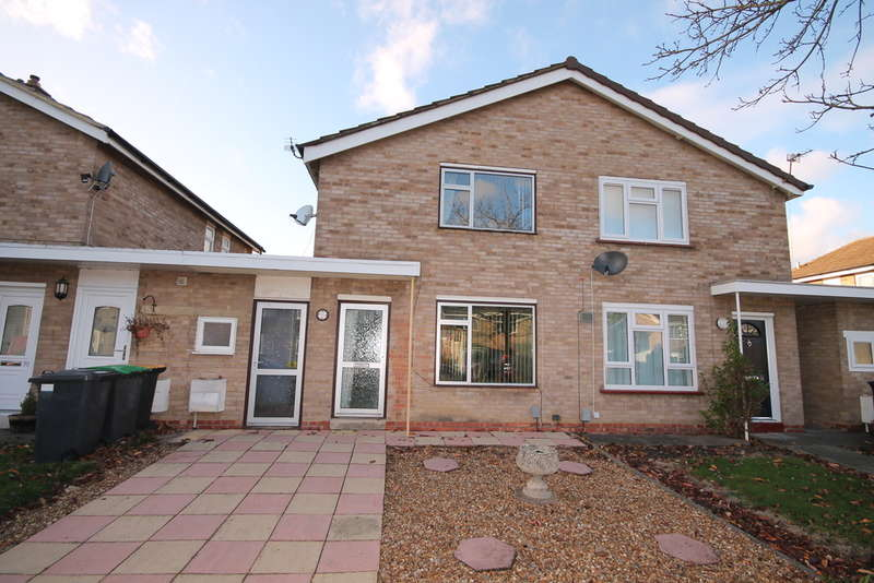 2 Bedrooms Link Detached House for sale in Waveney Avenue, Brickhill, MK41
