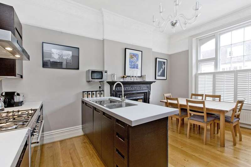 3 Bedrooms Flat for sale in Barton Road, London