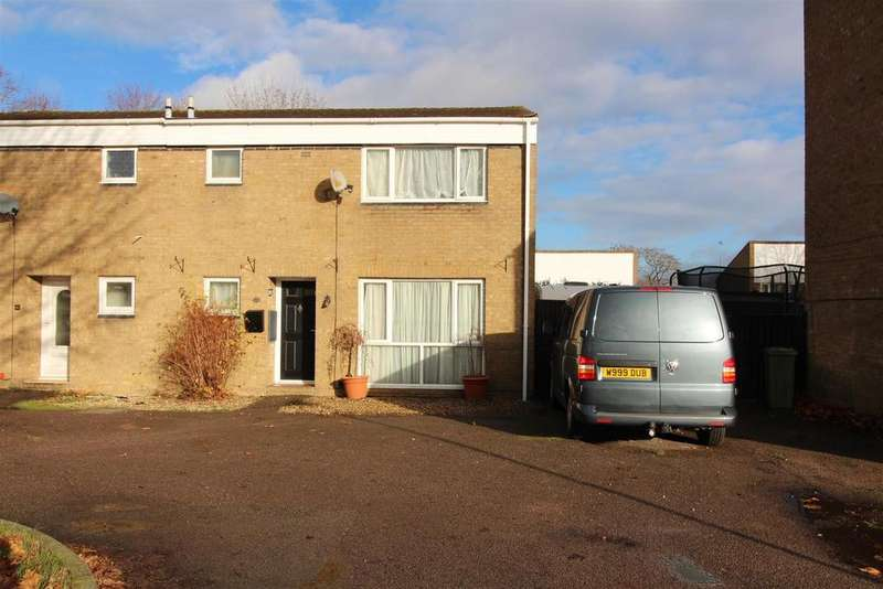 3 Bedrooms Semi Detached House for sale in Clailey Court, Stony Stratford, Milton Keynes