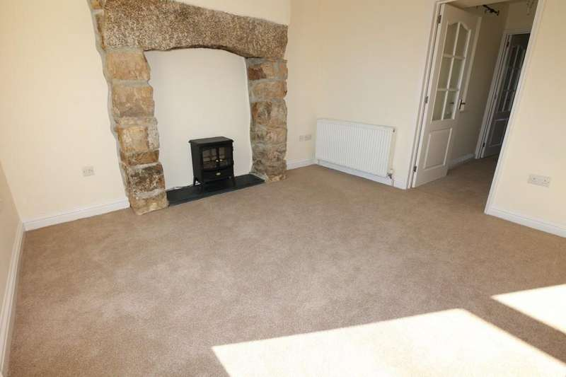 3 Bedrooms Semi Detached House for sale in North Roskear Road, Camborne
