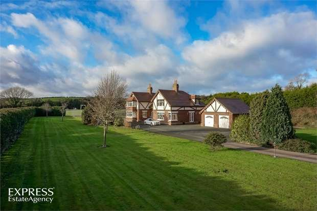 5 Bedrooms Detached House for sale in Grove Road, Ballynahinch, County Down