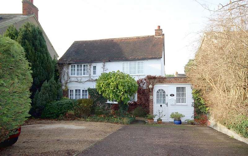 3 Bedrooms Detached House for sale in High Street, Henlow, SG16