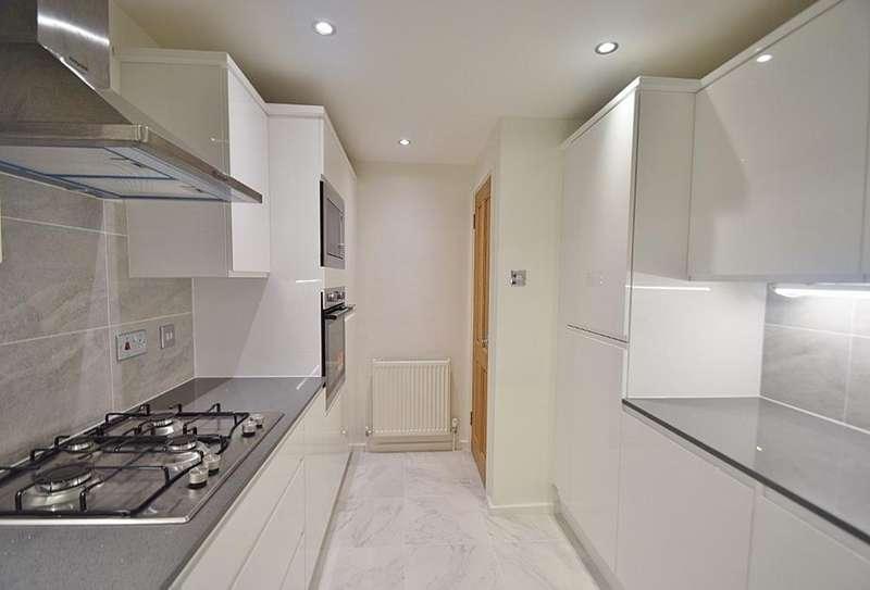 2 Bedrooms Flat for sale in WELGARTH ROAD, HAMPSTEAD GARDEN SUBURB, LONDON, NW11