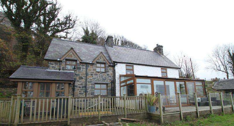 5 Bedrooms Detached House for sale in Llanfairfechan, Conwy