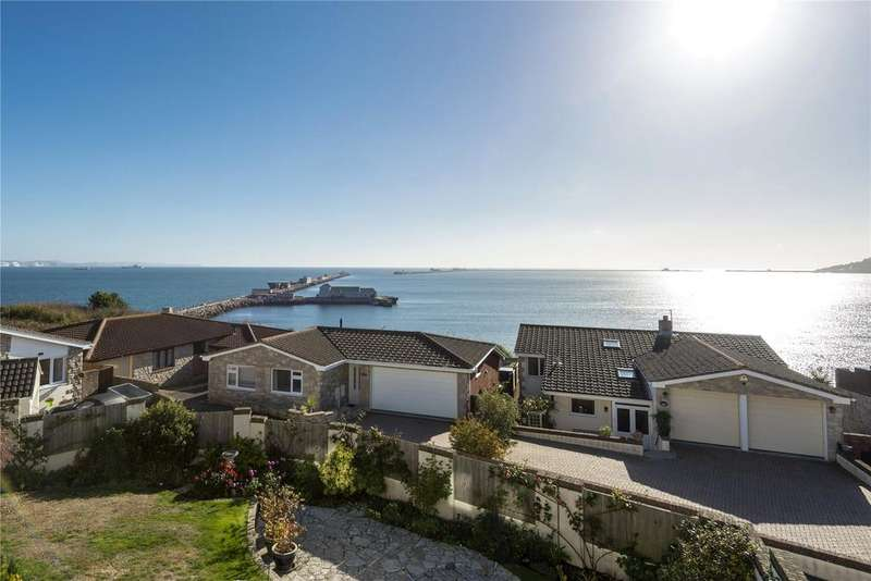 4 Bedrooms Detached House for sale in Weymouth, Dorset