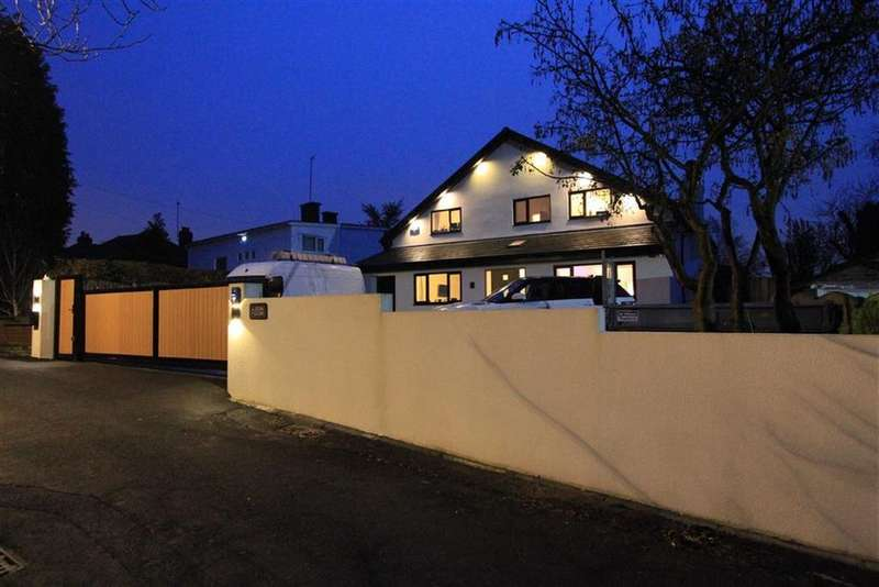 4 Bedrooms Detached House for sale in 2, Eton Close, Bamford, Rochdale, OL11